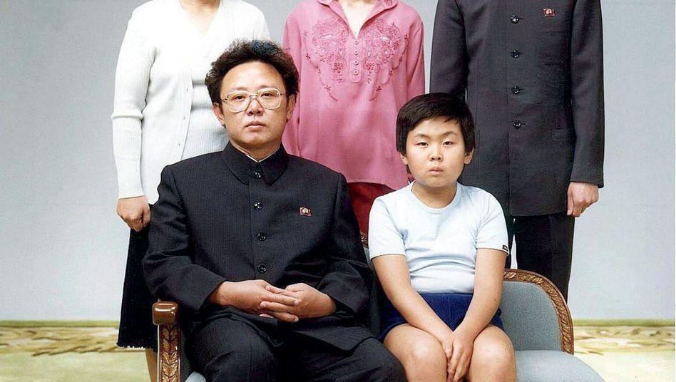Kim Jong-Il, Familie: Lieber ein kratziges Toilettenpapier als 40 weiche