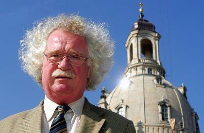 Baudirektor Eberhard Burger: Dresdner und Spender sollen bei der Weihe anwesend sein
