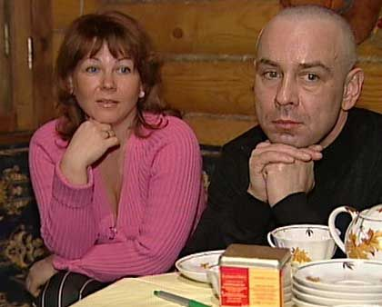 Svetlana Lugovaya and Dmitry Kovtun in a sauna outside Moscow: pale and green in the face