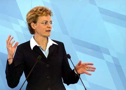 Monika Hohlmeier: Ministerin unter Druck