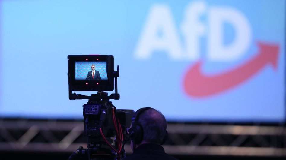 Björn Höcke beim AfD-Bundesparteitag in Augsburg (Juni 2018)