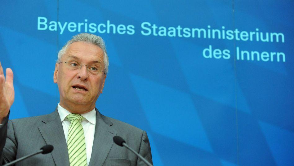 """Innenminister Herrmann: """"Ich kann nicht akzeptieren, dass diese Staaten die Liste der Herkunftsländer anführen"""""""