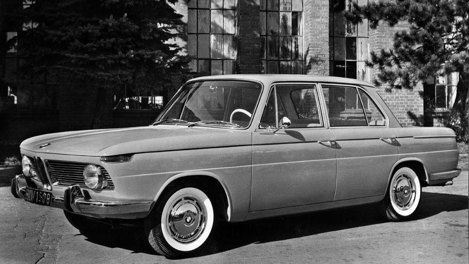 """BMW 1500: Mit diesem Modell startete eine Erfolgsbaureihe, die viel gerühmte """"neue Klasse"""" von BMW, von der zwischen 1962 und 1972 insgesamt mehr als 360.000 Exemplare gebaut wurden. Der Münchner Autohersteller war damit wieder zurück im Geschäft"""