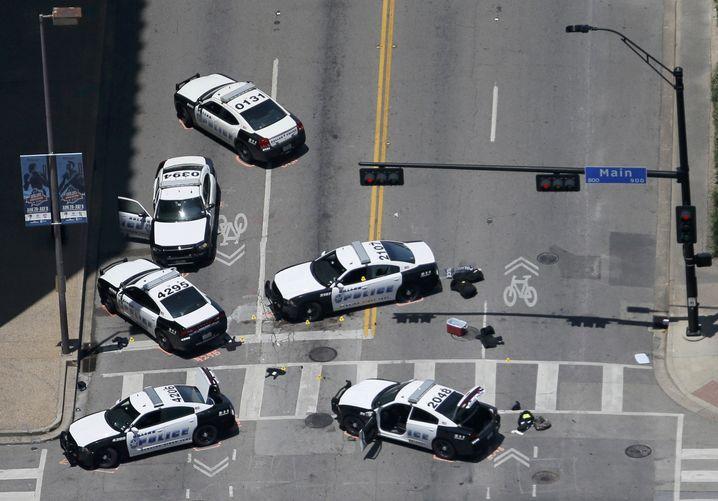 Polizeiwagen am Tatort in Dallas