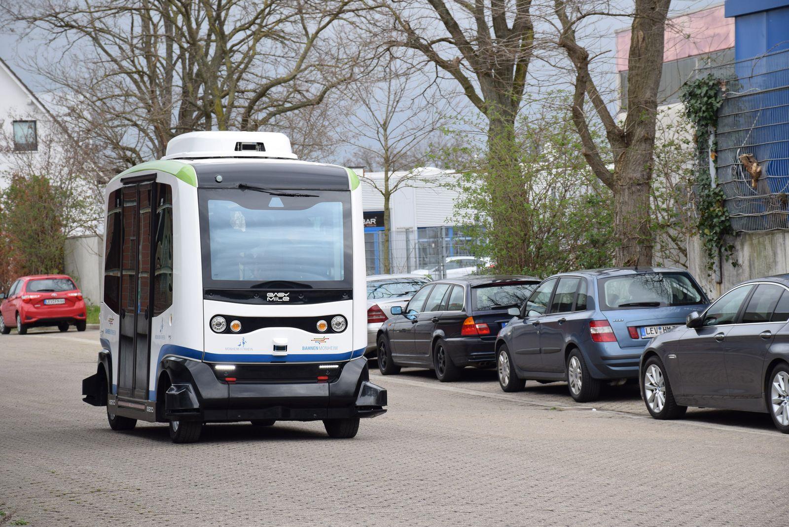 EINMALIGE VERWENDUNG Monheim am Rhein / BSM / Autonomer Bus