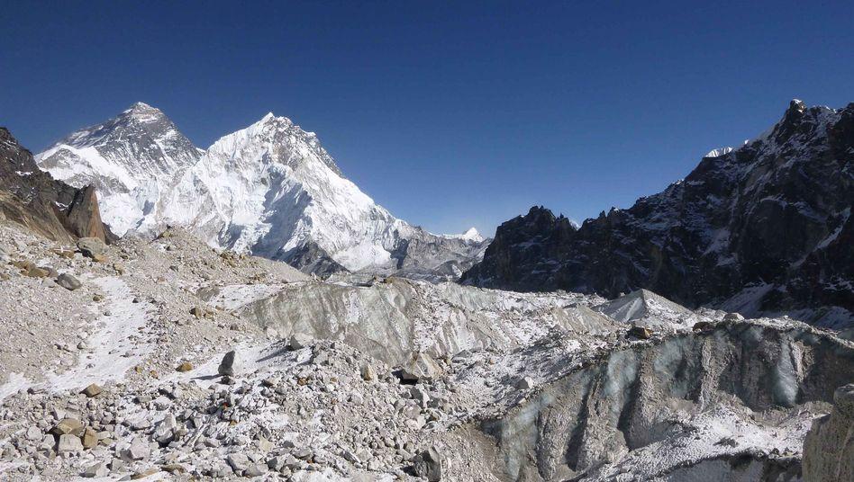 """Gletscher Changri Nup: """"Dies ist das bislang klarste Bild, wie schnell die Himalayagletscher schmelzen"""""""
