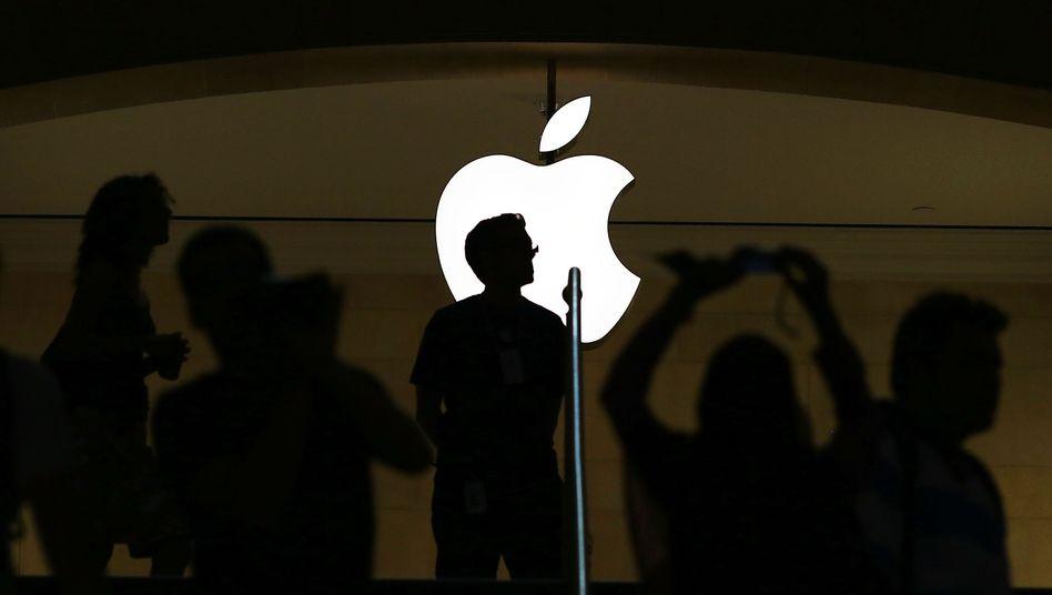Apple-Logo an einer Filiale in New York: Gespanntes Warten auf das neue iPhone