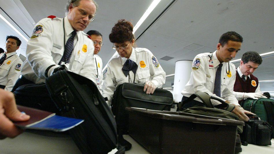 Sicherheitskontrollen am Flughafen in San Francisco