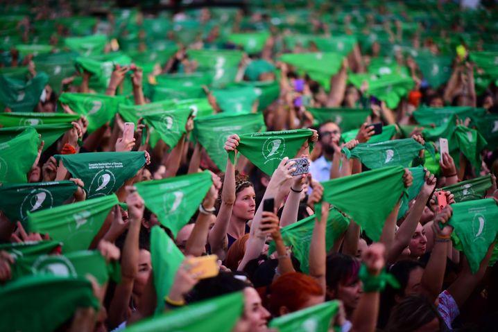 Grüne Welle: Argentinien steht kurz vor einer Abtreibungsreform