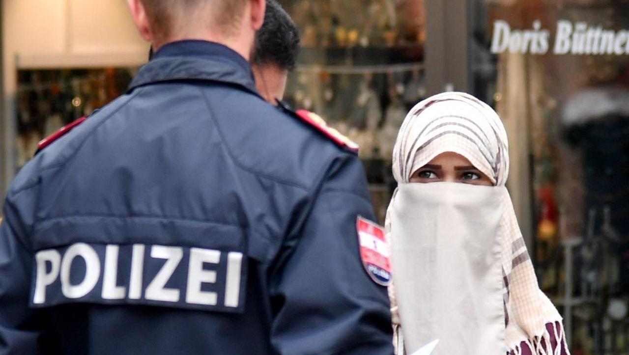 Österreich rätselt über Burkaverbot - Irritationen in der Praxis - DER  SPIEGEL