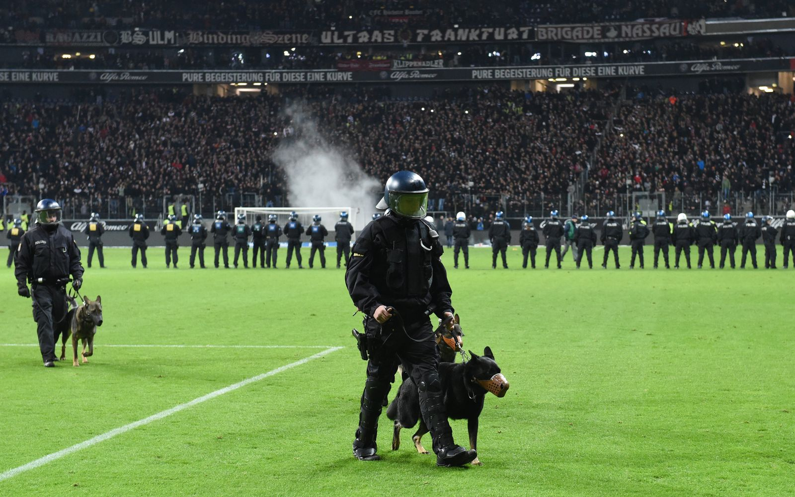 Bundesliga Fußball Polizei