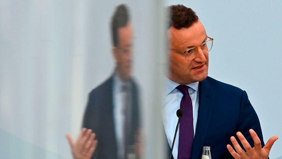 Gesundheitsminister Spahn erwägt laut einem Bericht, den kommenden Karneval ausfallen zu lassen