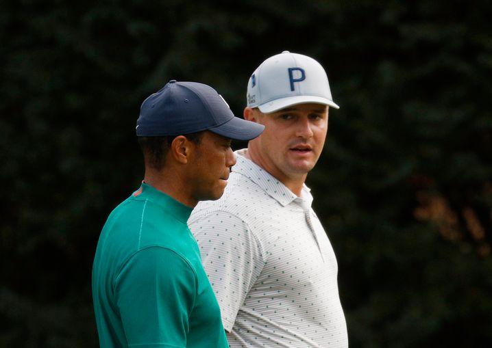 Im Gespräch mit einer Legende: DeChambeau und Tiger Woods