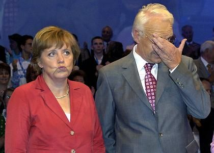 Kanzlerkandidatin Merkel, Stoiber: Zänkische Schwesterparteien
