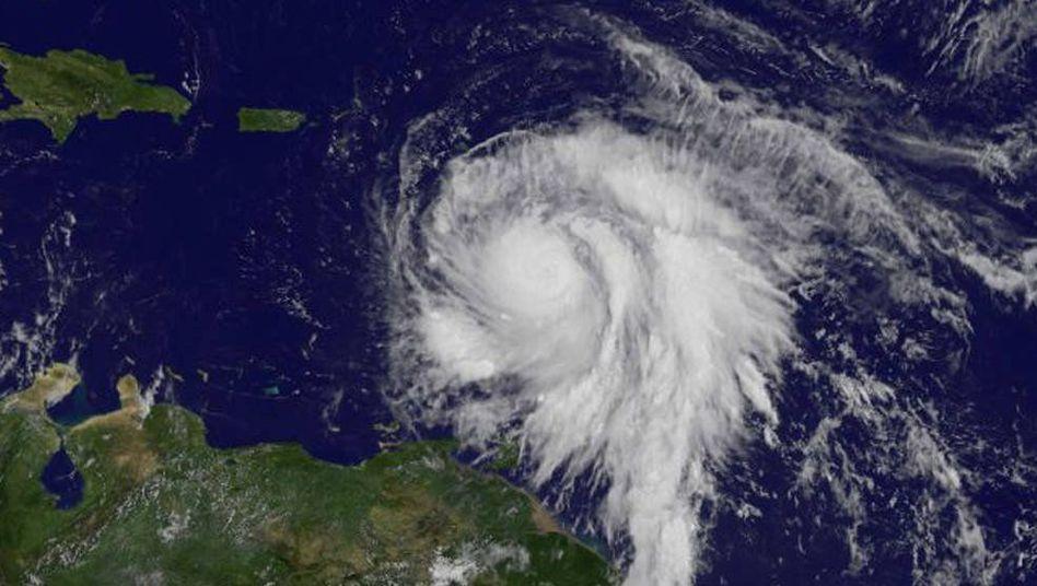 """Auf höchste Kategorie heraufgestuft: Hurrikan """"Maria"""" trifft auf Karibikinsel Dominica"""
