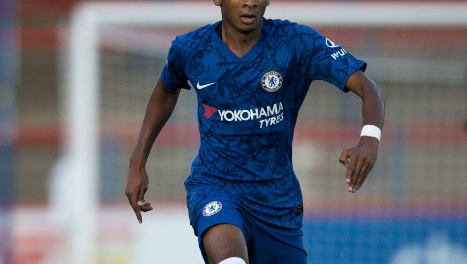FC Chelsea player Thierno Ballo