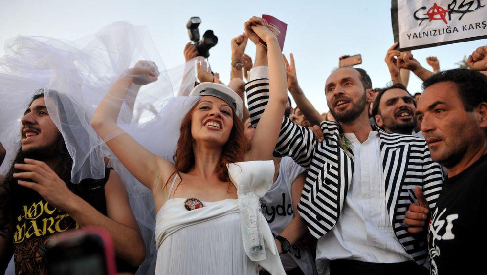 Gezi-Park: Die Braut, die sich was traut