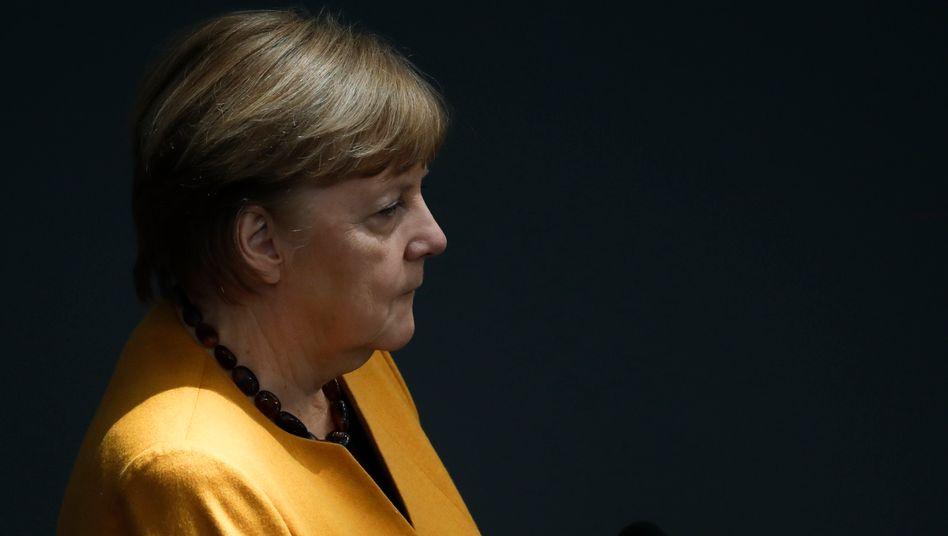 Kanzlerin Angela Merkel (am 24. März im Bundestag)