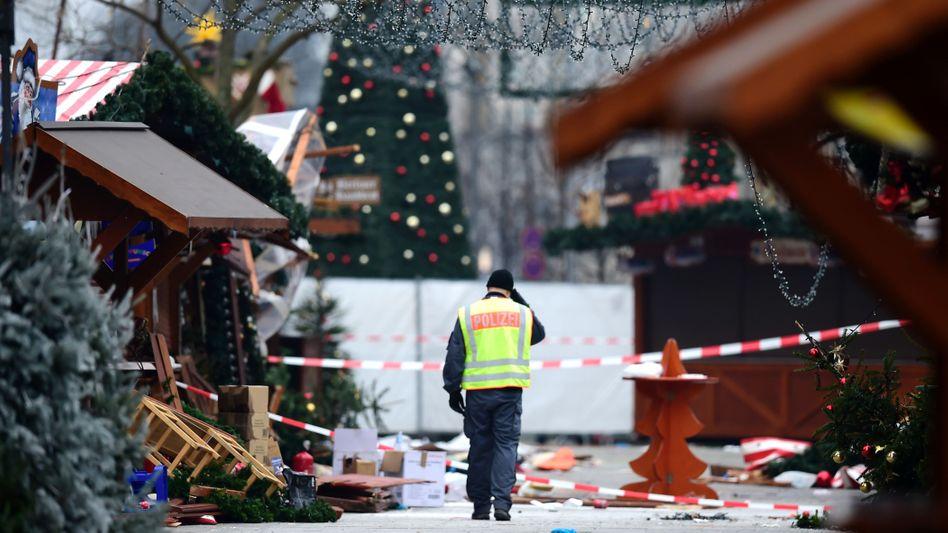 Polizist nach dem Anschlag am Breitscheidplatz