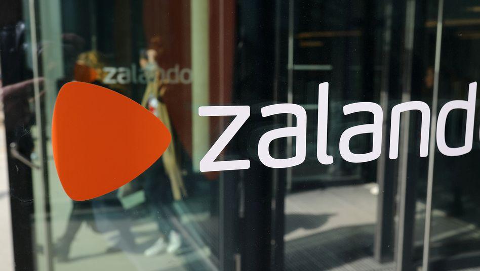 Zalando-Logo in Berlin: Ein Fünftel mehr Kunden