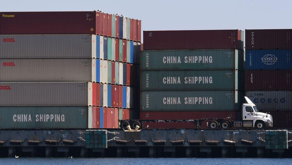 Chinesische Container werden im Hafen von Long Beach, Kalifornien, entladen: Die Vereinbarung zum Handelsabkommen soll eingehalten werden