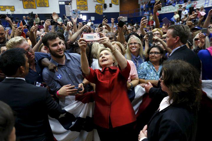 Hillary Clinton mit Fans