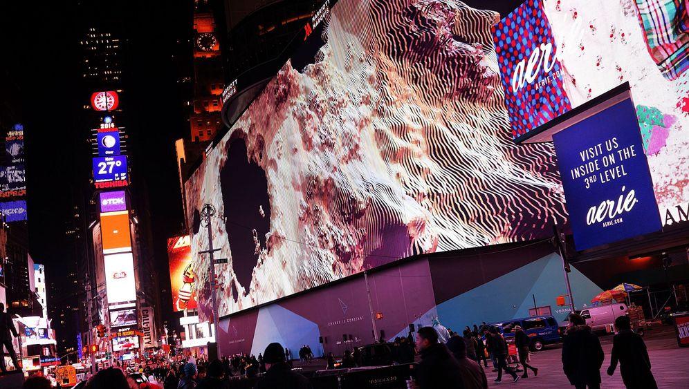 Größter Fernseher der Welt: Riesige Videoleinwand in New York enthüllt