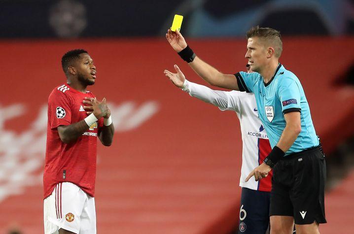 Platzverweis mit Ansage: Manchesters Mittelfeldspieler Fred