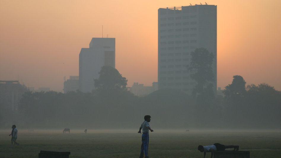 Nebel in Kalkutta: Bekämpfung der Armut im Land habe oberste Priorität
