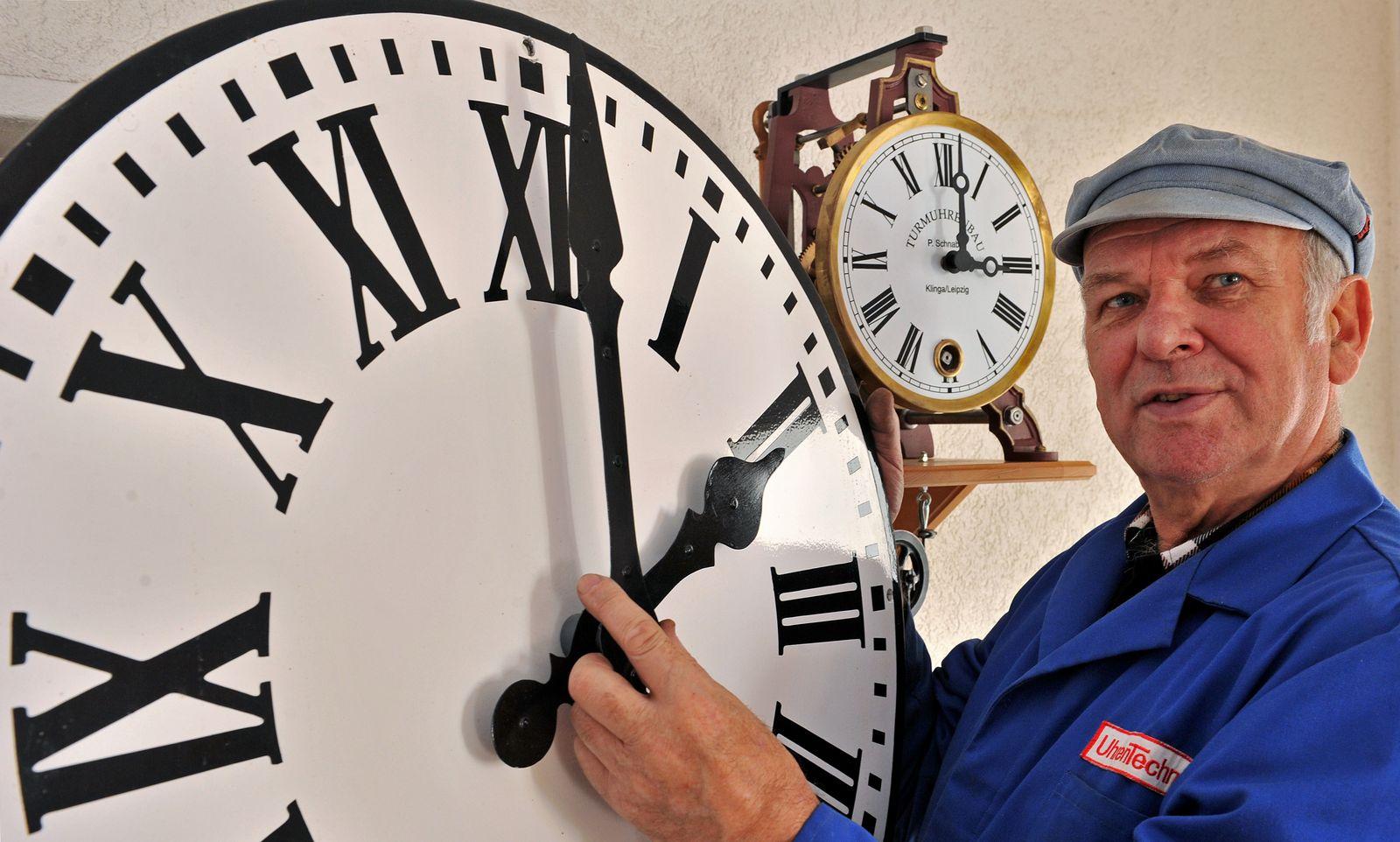 KaSp Uhren / Zeitpunkt SYMBOLBILD