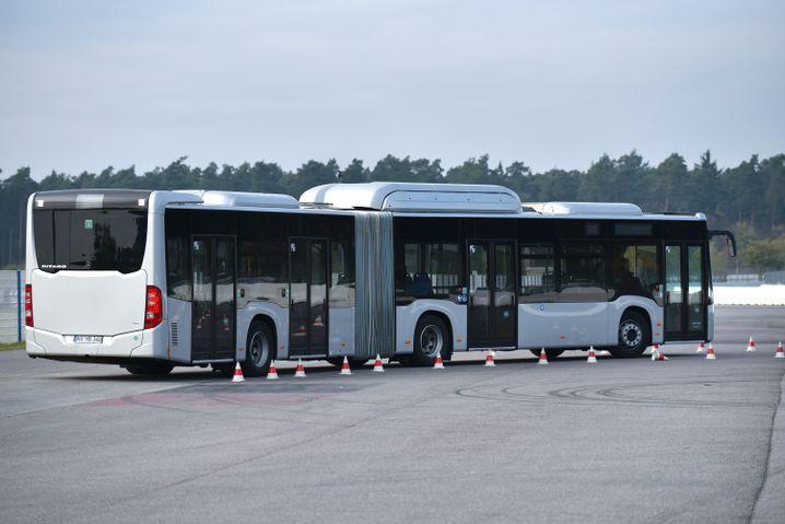 Der Gelenkbus-Geschicklichkeitsparcours am Hockenheimring