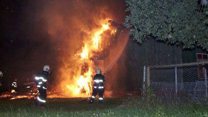 Brennende Baracke: Der Besitzer glaubt an Brandstiftung