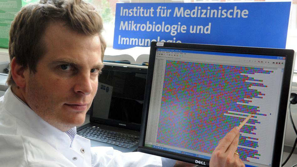 Bakteriologe Rohde vom Uni-Krankenhaus Hamburg-Eppendorf, Auszug des Ehec-Genoms