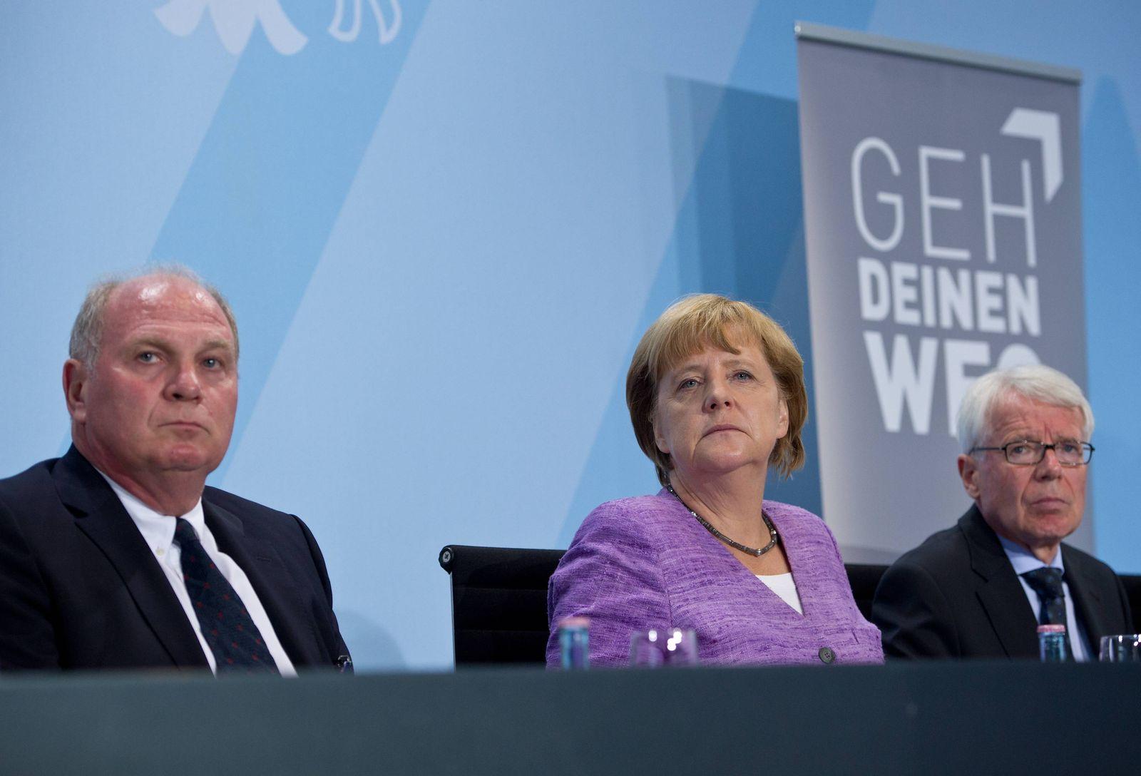 EINMALIGE VERWENDUNG Merkel / Hoeness
