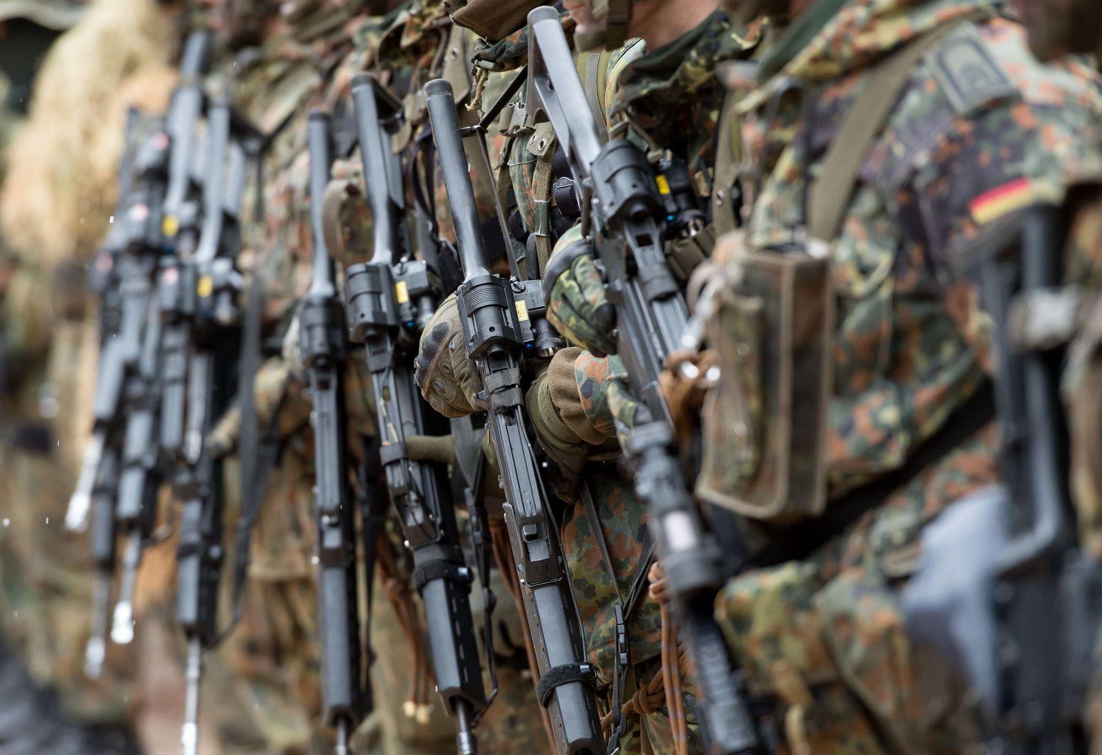 Soldaten der Bundeswehr bei Übung