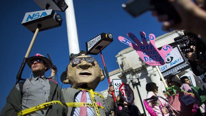 """Anti-NSA-Demo in Washington: """"Stop Watching Us"""""""