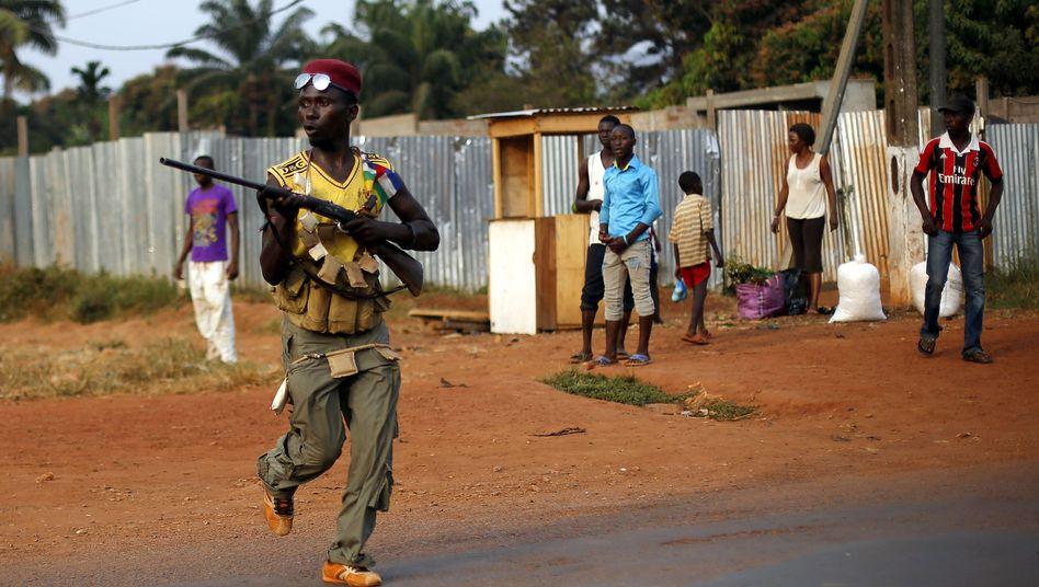 """Anti-Balaka""-Milizionäre in Bangui: ""Mobs haben randaliert"""
