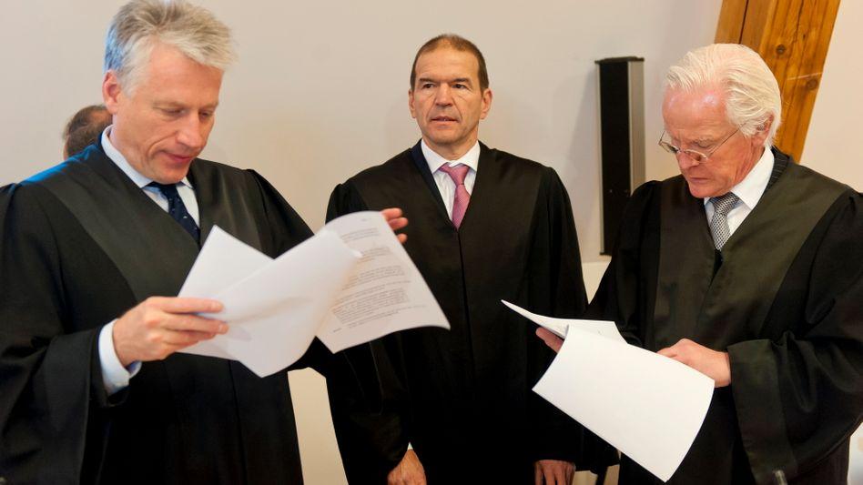 Anwälte von Ex-Deutsche-Bank-Chef Breuer: Das Geldhaus muss Schadensersatz zahlen