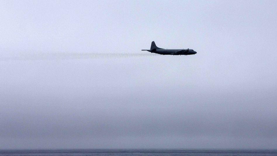"""Australisches Militärflugzeug auf der Suche nach Flug MH370 (im März): """"Jedes Detail infrage stellen"""""""