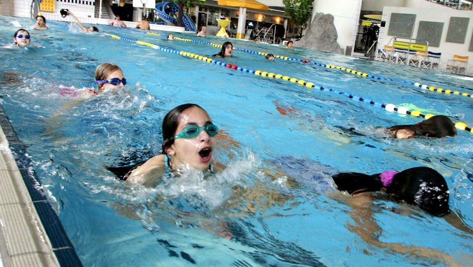Schwimmunterricht: Auch muslimische Grundschülerinnen müssen mitmachen