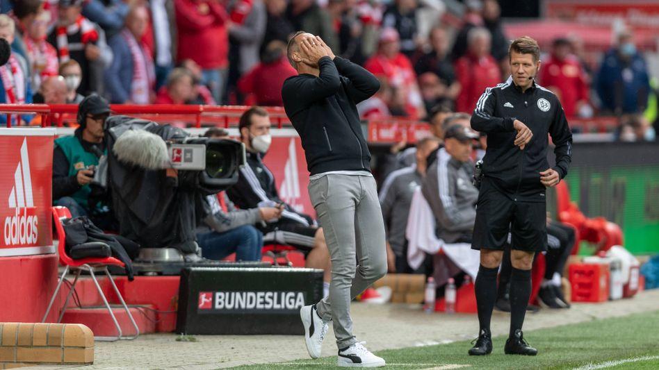 Adi Hütter kann's nicht fassen – wieder eine Niederlage