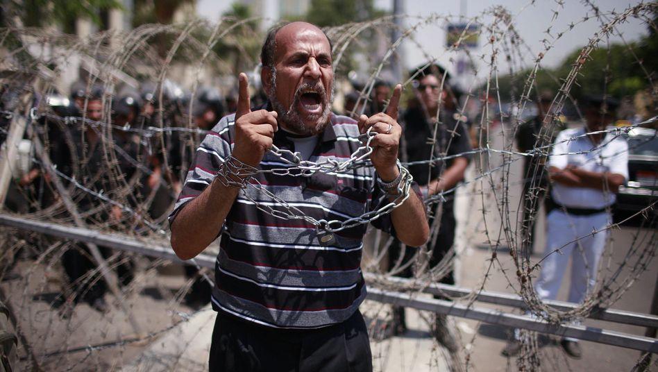 Auflösung des Parlaments: Ägypter fürchten Putsch der Generäle