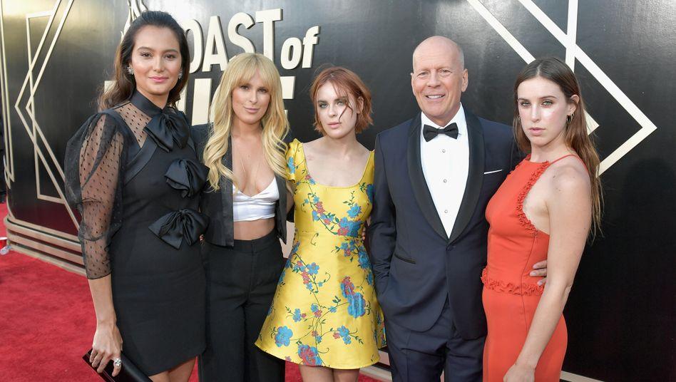 Emma Heming, Rumer, Tallulah und Bruce Willis, daneben Tochter Scout