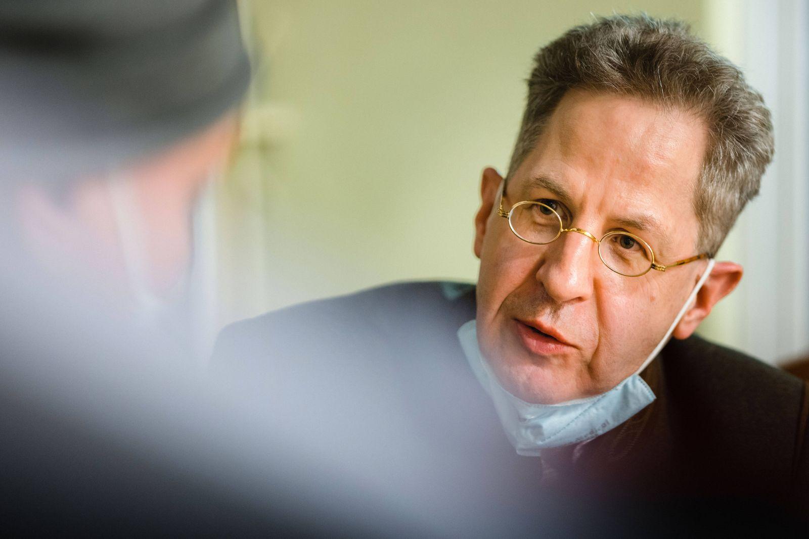 Hans-Georg Maaßen Hans-Georg Maaßen stellt sich dem CDU-Kreisverband und der Jungen Union Schmalkalden-Meiningen vor. D