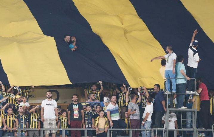 Fener-Fans: Auch die Unterstützung der Anhänger bröckelt