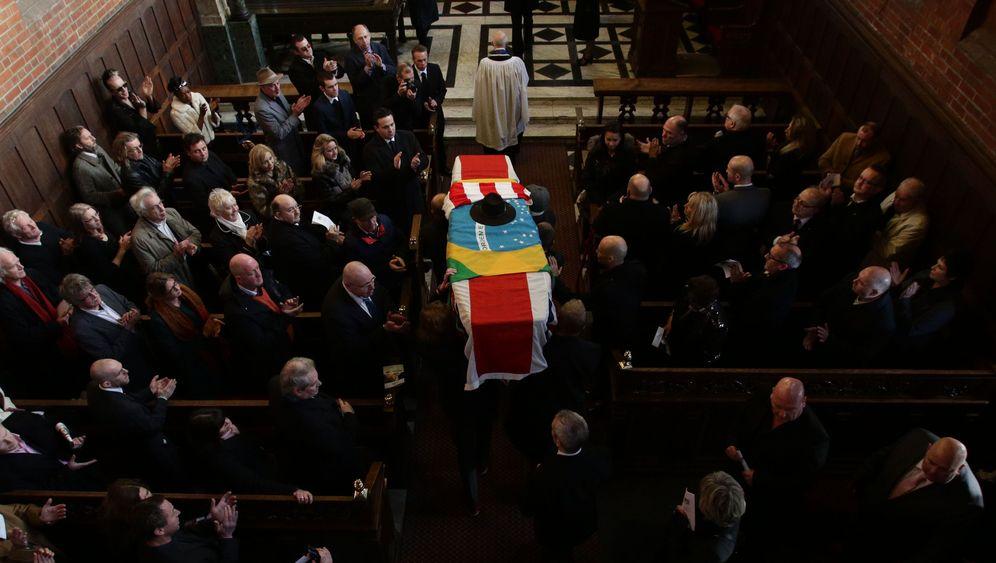 Legendärer Posträuber: Die Bestattung von Ronnie Biggs
