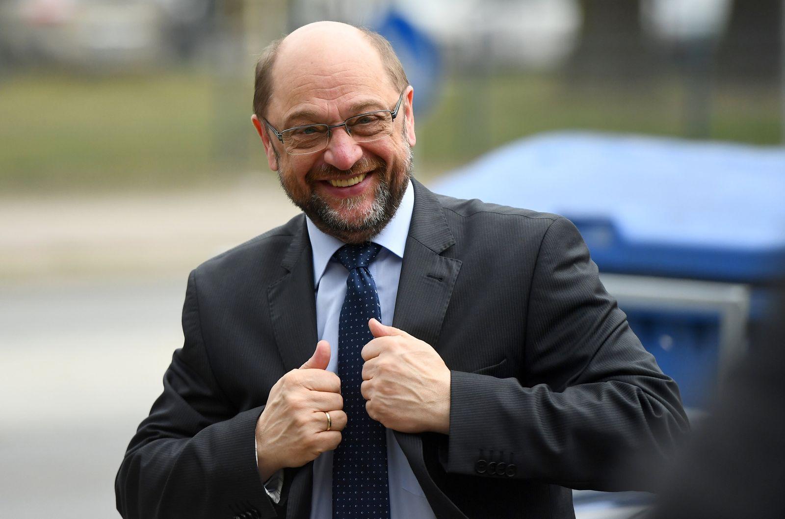 SPD-Kanzlerkandidat Schulz besucht Mehrgenerationenhaus