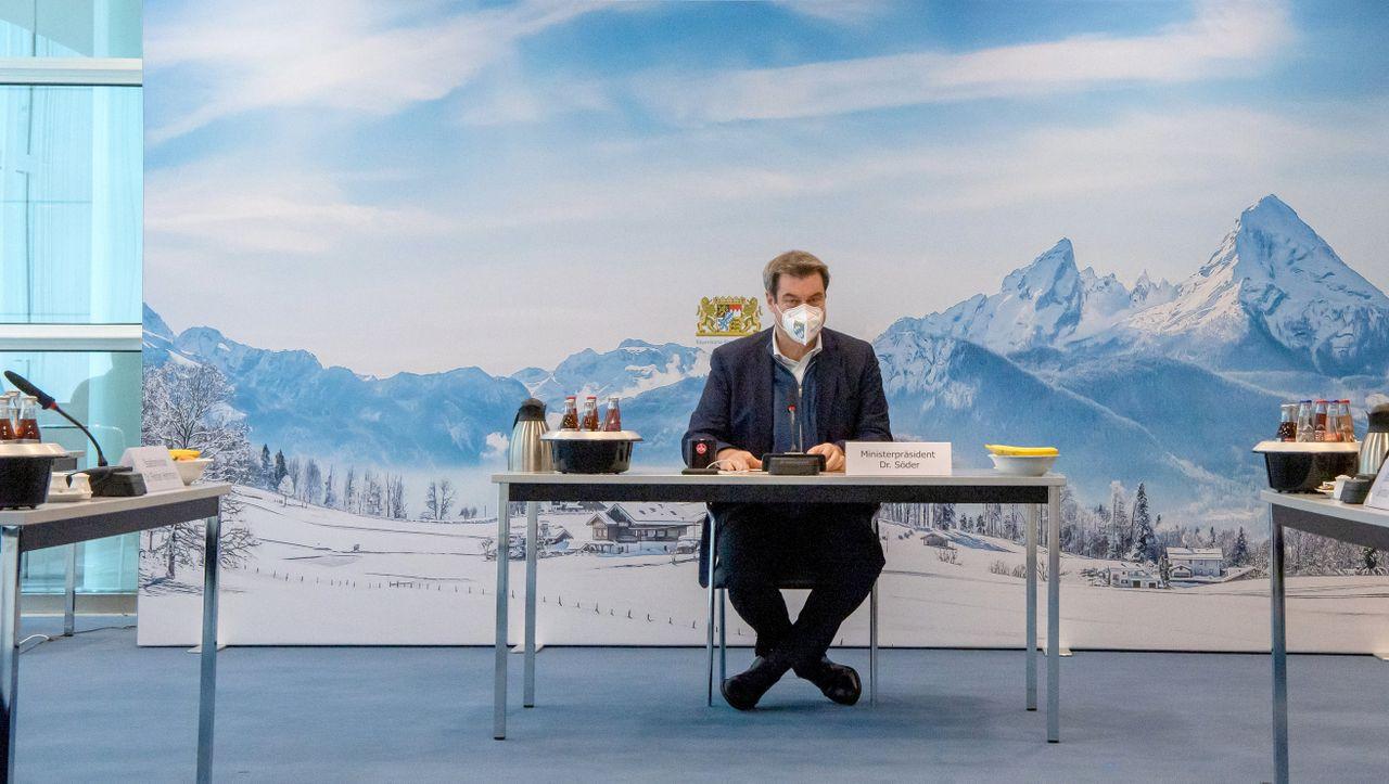 Coronakrise: Bayern führt FFP2-Maskenpflicht im Nahverkehr und Supermarkt ein - DER SPIEGEL - Politik
