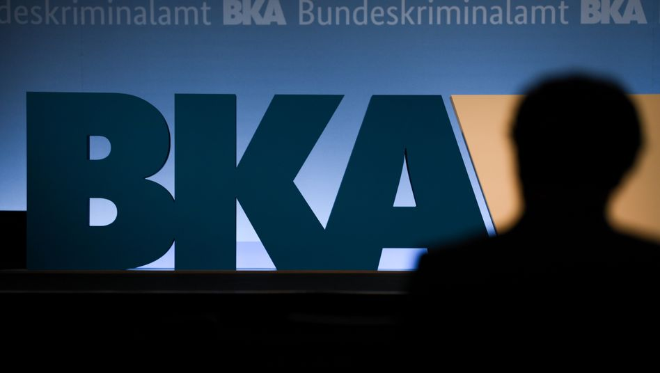 BKA-Logo bei einer Veranstaltung in Wiesbaden 2018