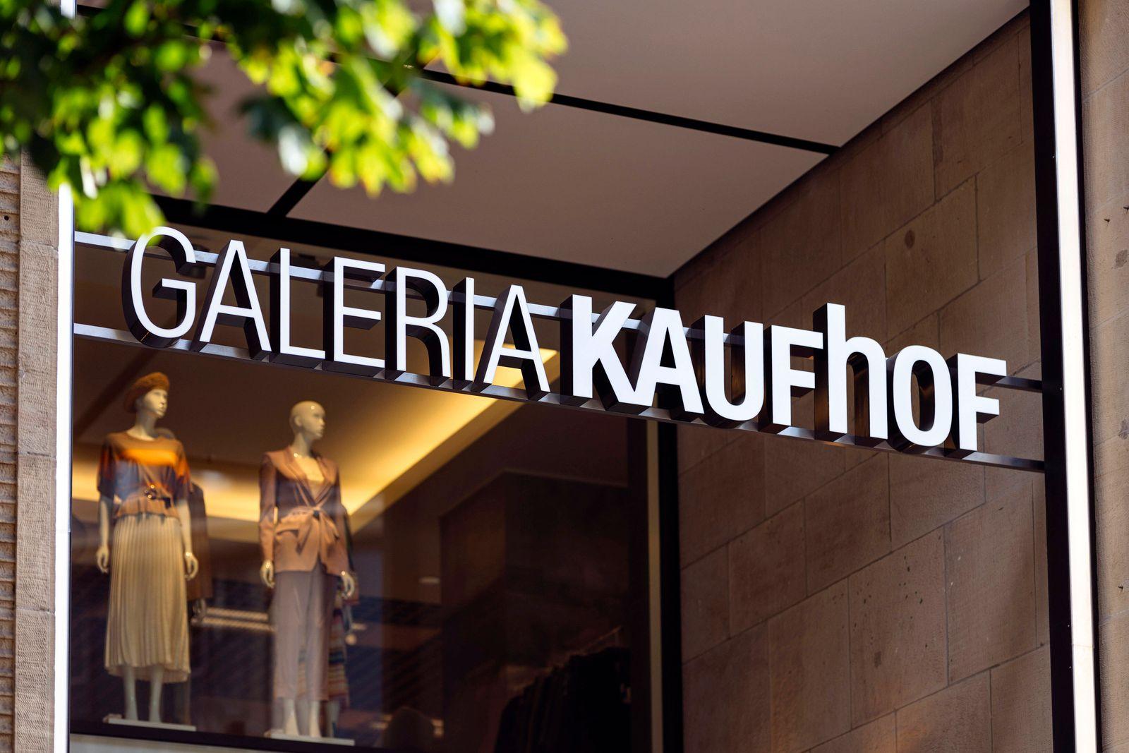 Galeria Karstadt Kaufhof schließt wegen Unwirtschaftlichkeit und Coronakrise deutschlandweit 62 Filialen, rund 6000 Arbe